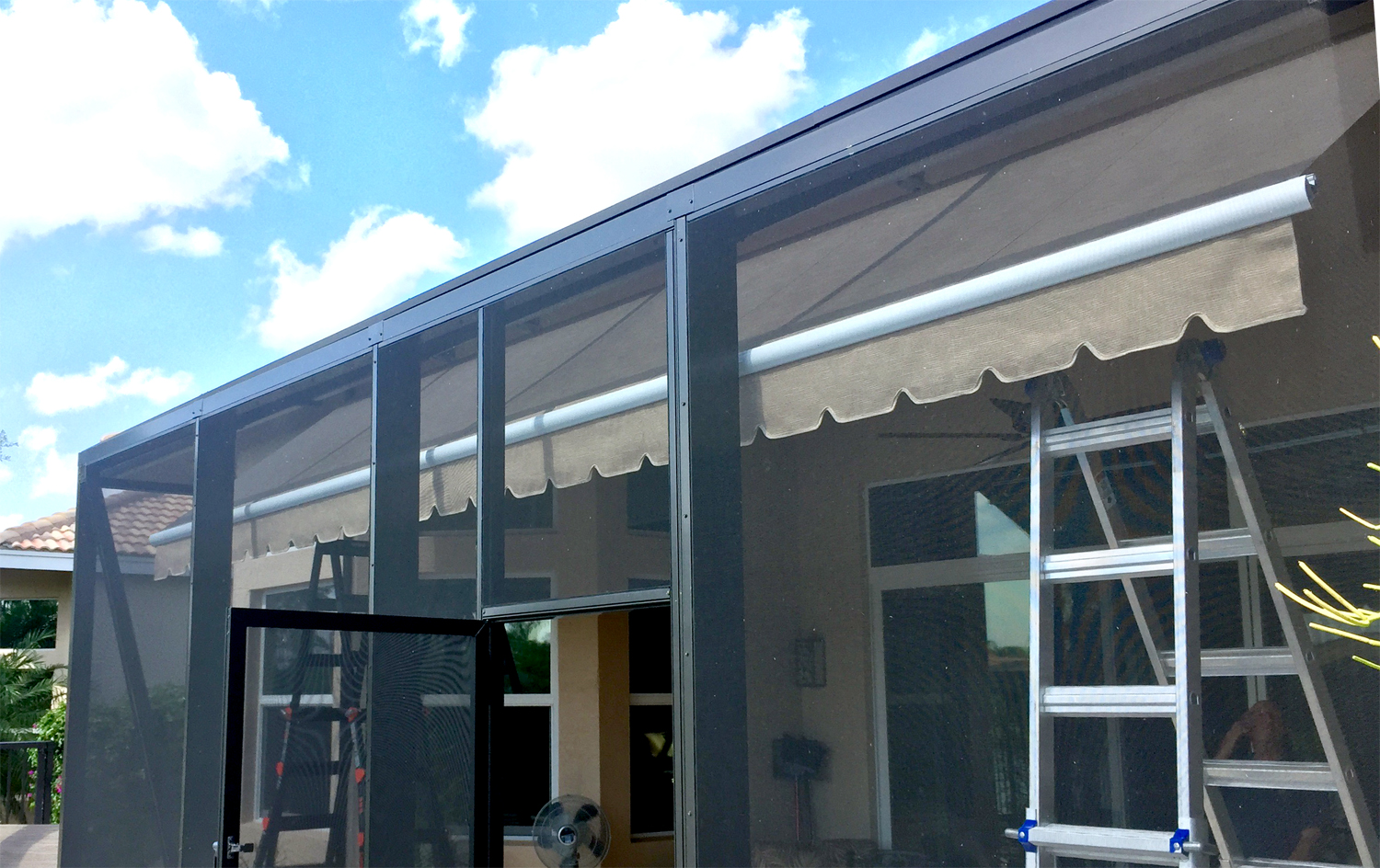 21' x 5' Soffit Mount in Screened in Patio